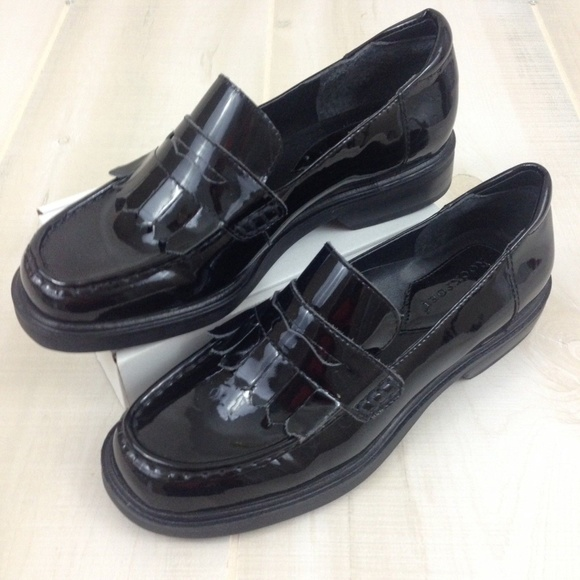 7bb06131956 Rockport Fringed Penny Loafers Black Patent 55 M